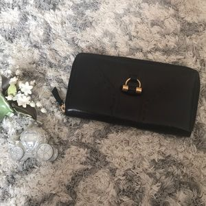 YSL yves saint Laurent black leather MUSE wallet
